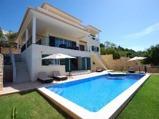 Luxury villa with panoramic views and pool, Albufeira