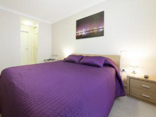 One Bedroom Apartment @ The Waldorf, Perth