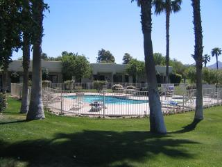 ONE BEDROOM CONDO ON TAOS CT - 1CCHU, Palm Springs