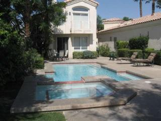 THREE BEDROOM VILLA WITH PRIVATE POOL & SPA ON SOUTH LAGUNA - VPS3PIL, Palm Springs