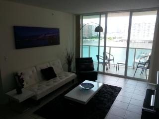 Waterfront,Beaches,Marina,Live Atmosphere,Location, Sunny Isles Beach