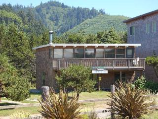 Rainy Day - 4 BR + Children's Room, Sleeps 9, Neskowin