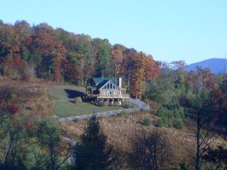 Sunny Ridge-Private cabin with VIEWS!, West Jefferson