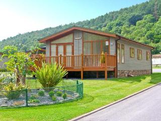 TRANQUILLITY, detached lodge, pet-friendly, close to beaches, in Stepaside, Ref 27020