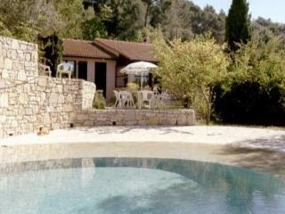 Charming, Pet-Friendly Cottage in Provence, Bargemon