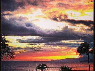 Amazing sunsets from the lanai every night!