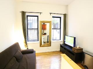 DUPLEX GREENWICH 01: 2BR / 1BA in Downtown, New York City