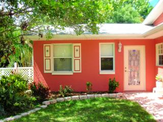 CBS POP INN  (Short term furnished rental), Bradenton