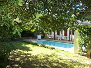 House ideally situated near golf courses and in the heart of the winelands, Somerset West