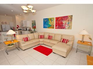 VILLA MODERNE 5* 4 BED 4 BATH SOUTH FACING VILLA, Orlando