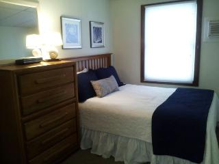 Super Oceanside, 4 bedroom rental sleeps 8, Surf City