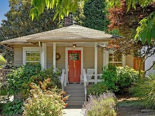 Classic Craftsman in Great Seattle Neighborhood!- Sea to Sky Rentals! - Seattle vacation rentals