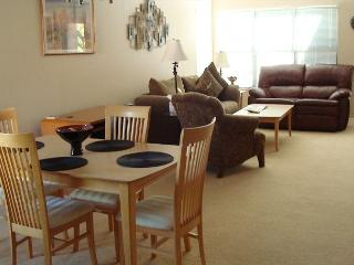 Second Floor 2 Bedroom with Private Patio and Great Location - Tucson vacation rentals