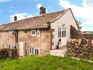 WHITE ROSE COTTAGE, sauna, WiFi, garden with furniture, Ref 912593 - West Yorkshire vacation rentals