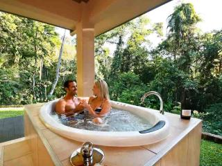 Secluded Escape Just For Two - Platypus Springs, Kuranda