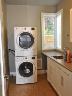Large capacity Magtag washer & dryer