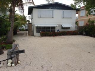 Florida Keys House 2/1 On the Water w/ Dock MM-90, Tavernier