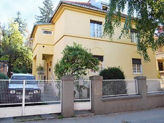 REDUCED PRICE! Large Apt on Main Floor of House, Zagreb