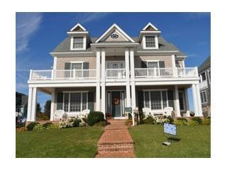 Terrific 'man cave' game room and ocean views, Cape May