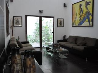 3 Bedroom Condo 2 blocks from the Beach., Playa del Carmen