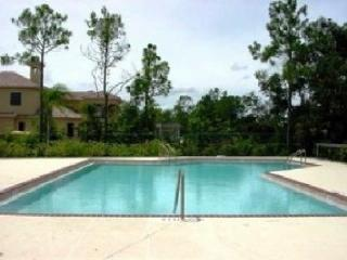 Naples Florida Courtyard Townhouse Minutes to Beach