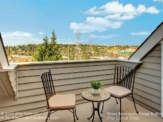 3 Bedroom 3 Bath Ship Canal Oasis, Seattle