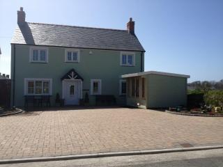 5* Pet Friendly Holiday Home-Maes Y Gwaelod, Solva