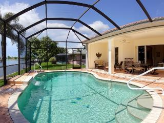 Villa Bella Rose in the beautiful Rosegarden area!, Cape Coral