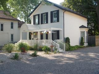 Ellis House Executive Apartment - Niagara Falls vacation rentals