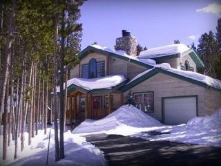 Ski-in from the slopes right into this 5BR chalet, Breckenridge