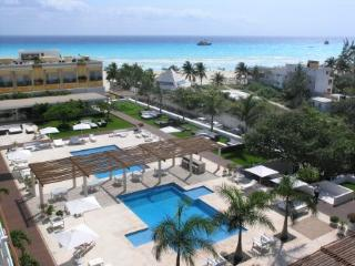 Beautiful 3 Bed 3 full baths Ocean View Condo, Playa del Carmen