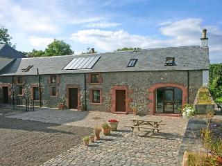 THE OLD COACH HOUSE, stylish character conversion with open fire, garden, balcony, Coldingham Ref 29322
