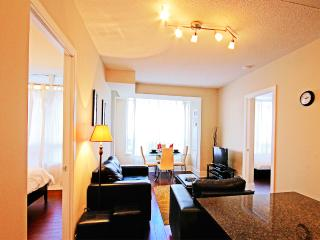 Luxury Two Bedroom Furnished Suite, Mississauga