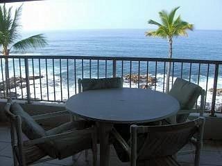 Kona Reef 2 Bedroom 2 Bath - Direct Ocean Front !, Kailua-Kona