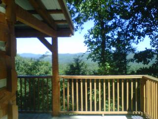 Mountain Memories 2 BR Log Cabin, Townsend
