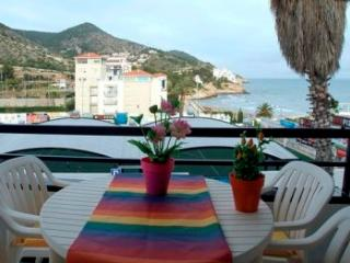 La Marina, 100 meter from the beach, with pool., Sitges