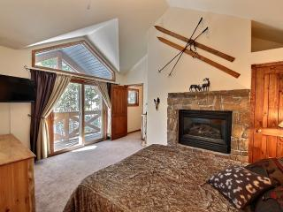 BRECKENRIDGE LUXURY CONDO 3BR/3BA SLEEPS 9, Breckenridge