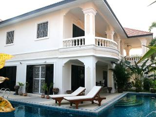 Exclusive Villa with large private pool, Pattaya