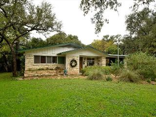 4BR/2BA Huge August discounts Home With Hot Tub, Putting Green & Close Zilker, Austin