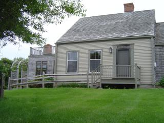 Privacy 3 acres Rolling Hills Quidnet. House and Cottage, Nantucket