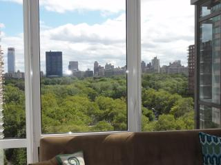Luxury 2 Bed/2 Bath Apt with Central Park Views!, New York