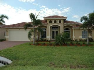 New 4br/3ba, Den, Pool, Close To Beach, Naples