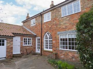 WESTGATE MEWS, converted coach house, character features, pet-friendly, enclosed courtyard, in Hornsea, Ref 30232