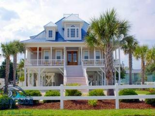 Treasure This- Spacious Vacation Home in Myrtle Beach