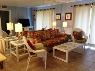 OCEANFRONT Resort with LOW COUNTRY Views!!, Hilton Head
