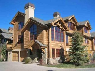 Lodge Lane #111, West Ketchum - Luxury Home minutes from downtown & River Run lifts