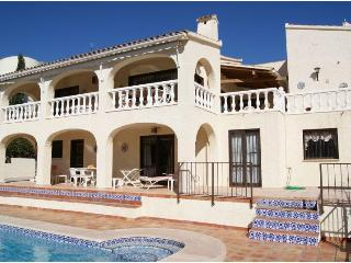 villa 6 pers.pool of 11 m on golf course, sea view, Altea