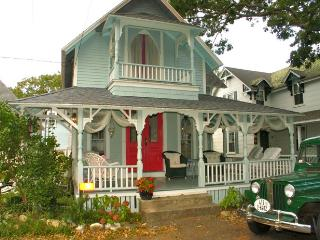 Gingerbread Cottage In The Heart Of Oak Bluffs (Gingerbread-Cottage-In-The-Heart-Of-Oak-Bluffs-OB505)