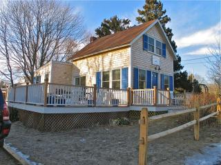 The Blue Canoe-1900's Cottage Made New! (The-Blue-Canoe-1900's-Cottage-Made-New!-OB532), Oak Bluffs