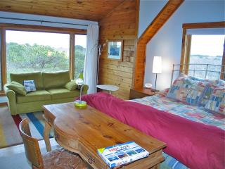 Treehouse Rental With Waterviews! (Treehouse-Rental-With-Waterviews!-OB538), Oak Bluffs